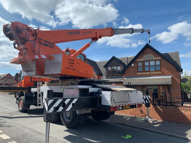 Hot Tub Move – Crane Lifts a Hot Tub into a garden