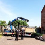 Hot tub mover - Lifting A Hot Tub with our crane